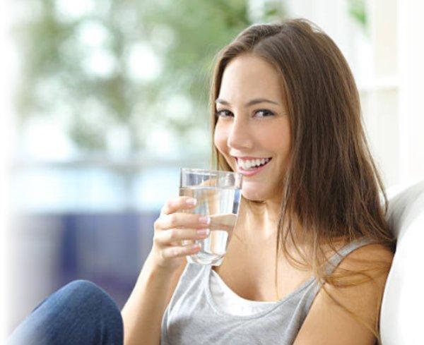 Beba água limpa e cristalina com um purificador de água IBBL